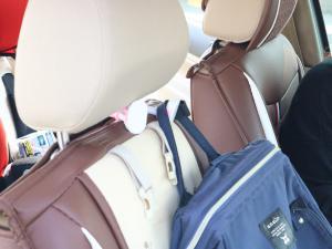 车用挂钩可以挂包包 非常方便