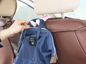 车用挂钩可以挂包包 非常方便(7张)