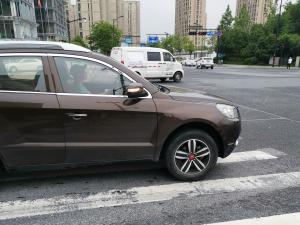 吉利首款SUV——吉利GX7