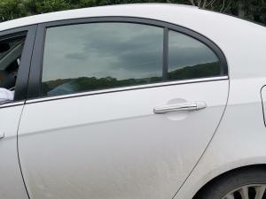 吉利帝豪车窗和车门把手