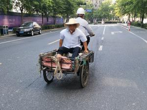 人力三轮车载人
