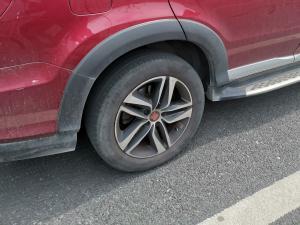 比亚迪唐轮毂和轮胎