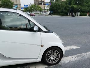 白色SMART车头