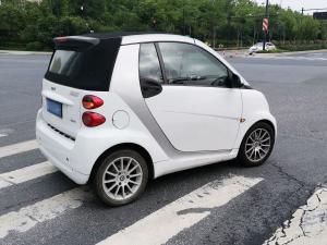 白色两门版SMART(2张)