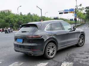 保时捷最畅销SUV车型——卡宴(2张)